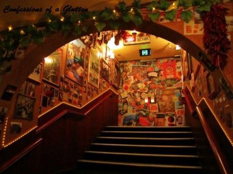 Frankie S Bar And Restaurant